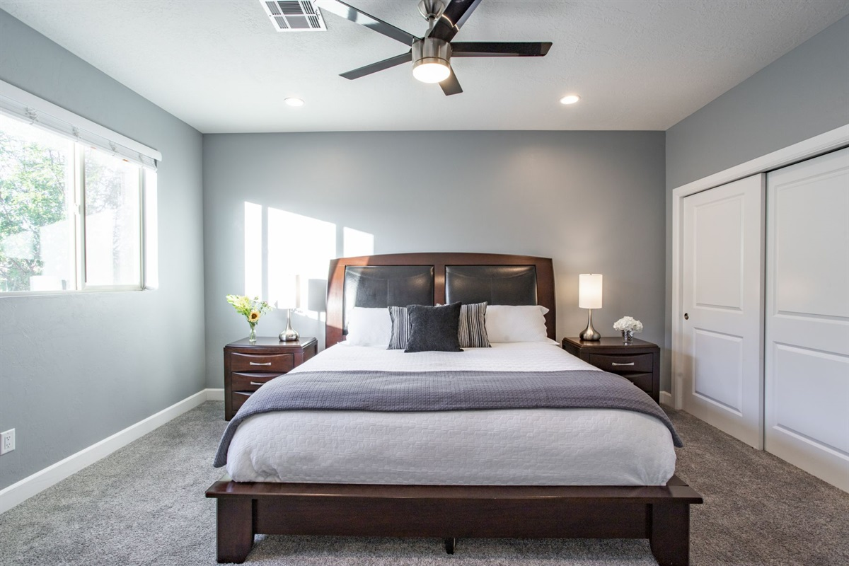 Guest Suite 1 - King Bed