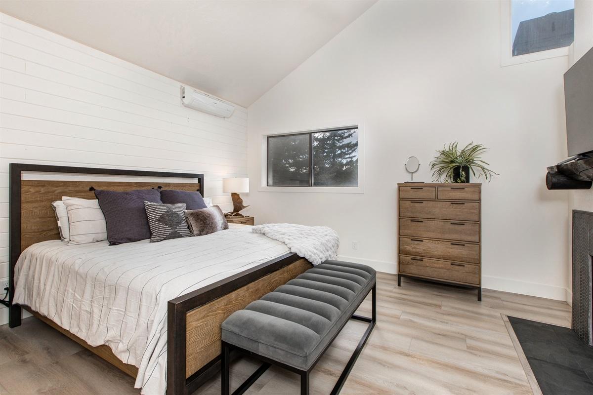 Master Suite - King size bed, TV, fireplace, ensuite bath