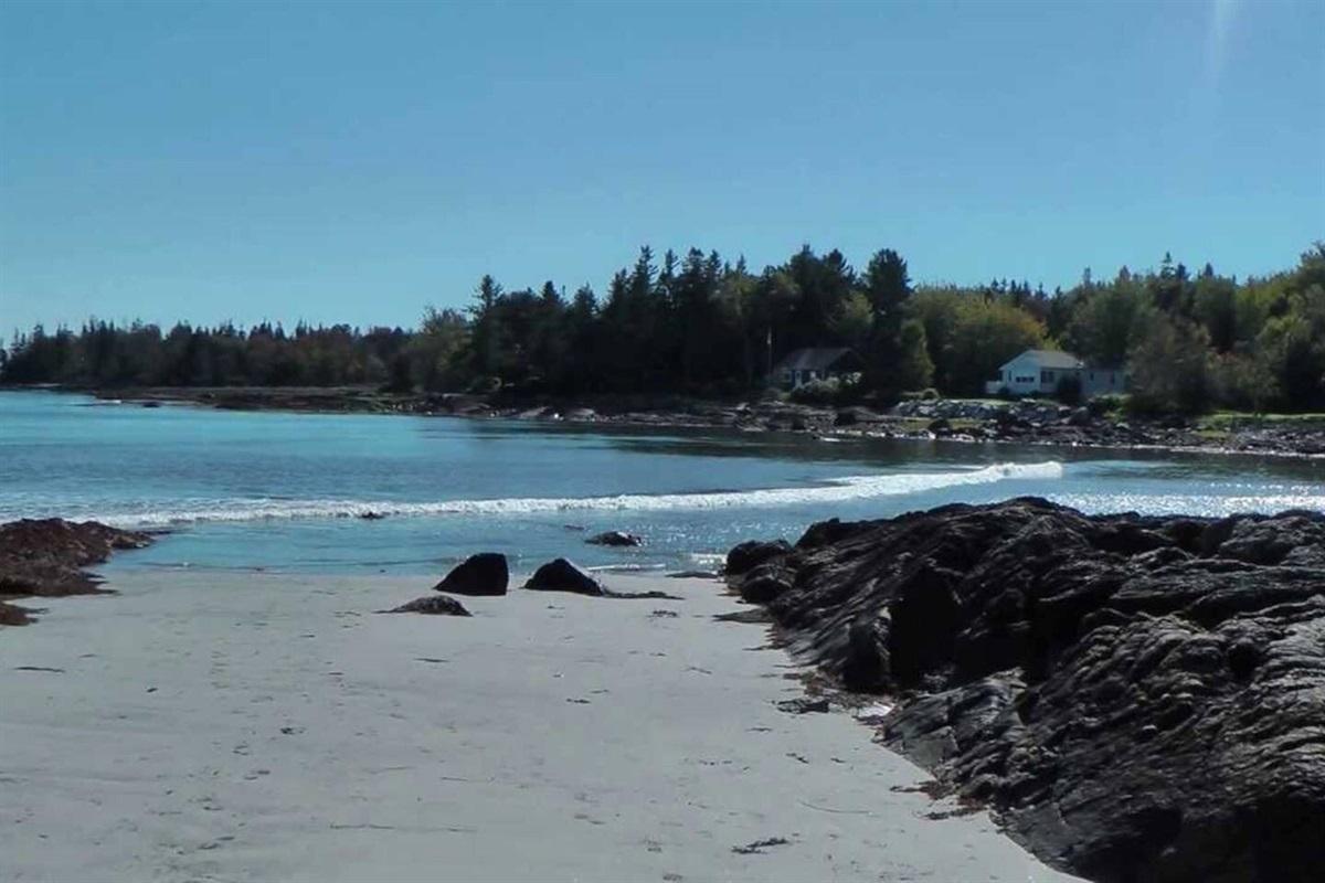 Nearby Drift Inn Beach
