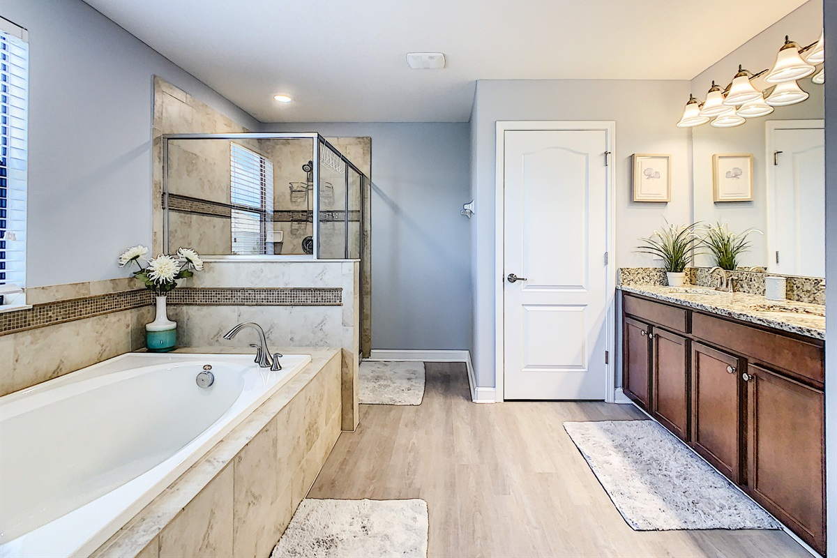 Master Suite En Suite Bathroom