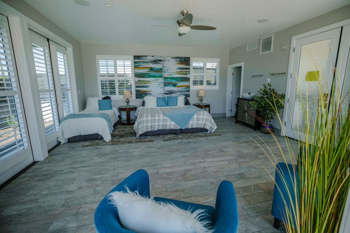 Pool House -  3 Twin xls or 1 King bed and 1 Twin xl.  Let us know how you would like it!