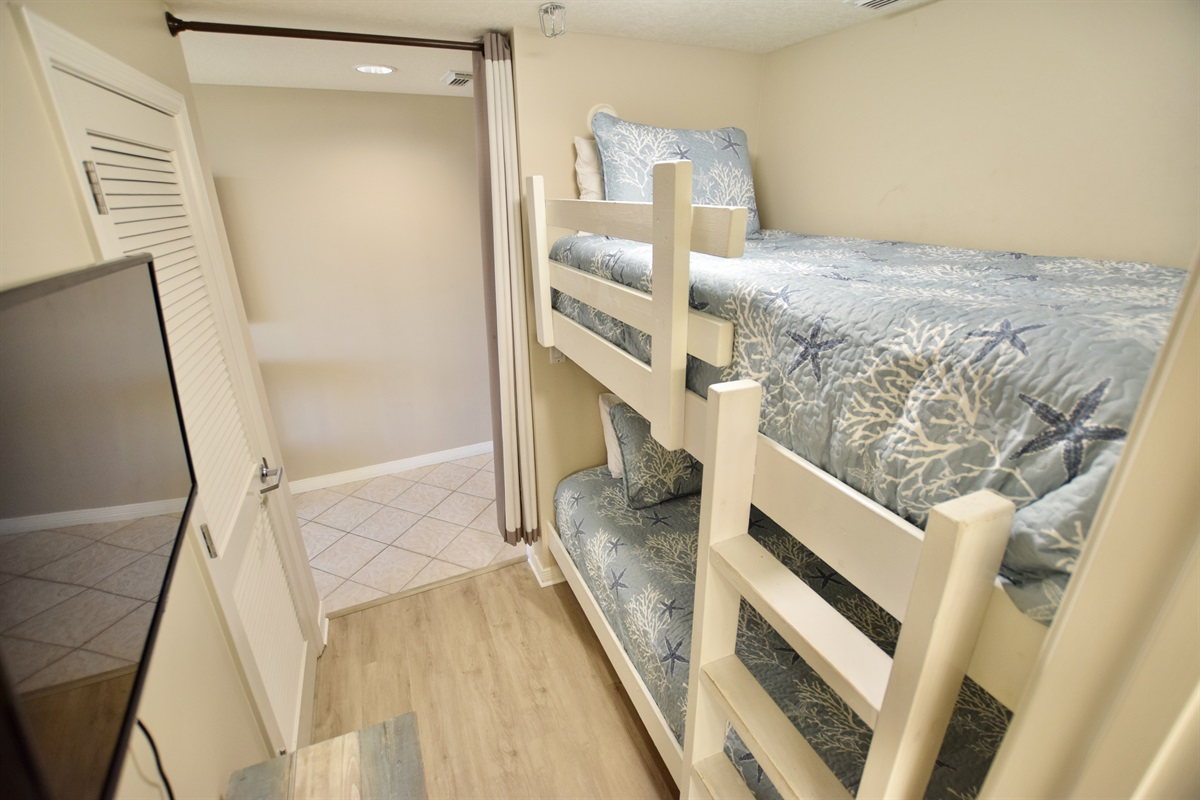 Destin West Gulfside #309 - Bunk room