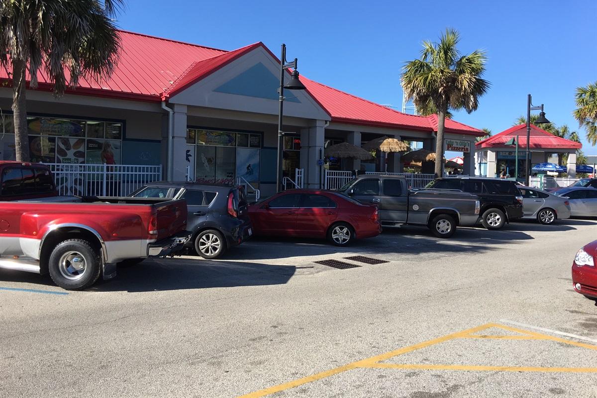 Ocean Blvd is about 300' away from the Ocean Inn