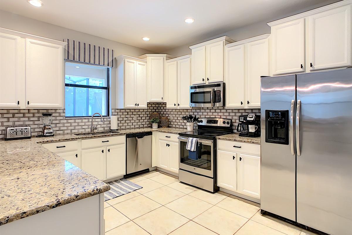 Full Modern Kitchen