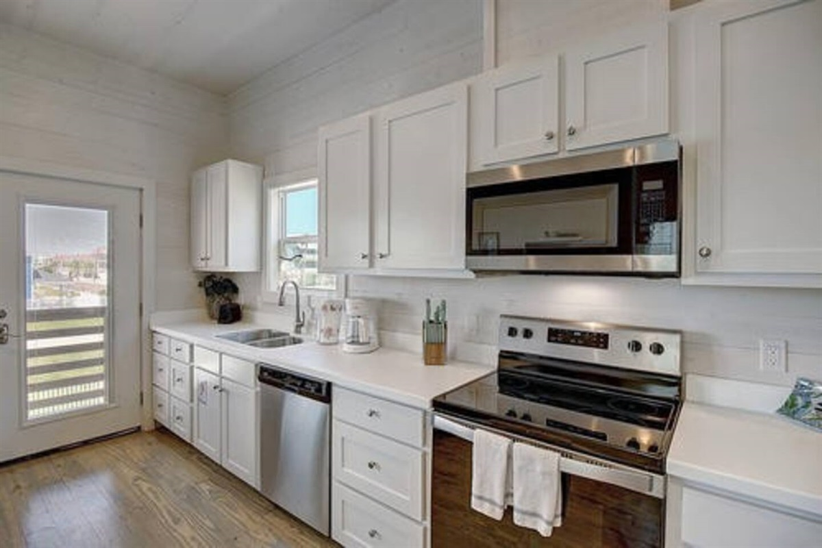 Fully Stocked Kitchen / Standard Coffee Maker