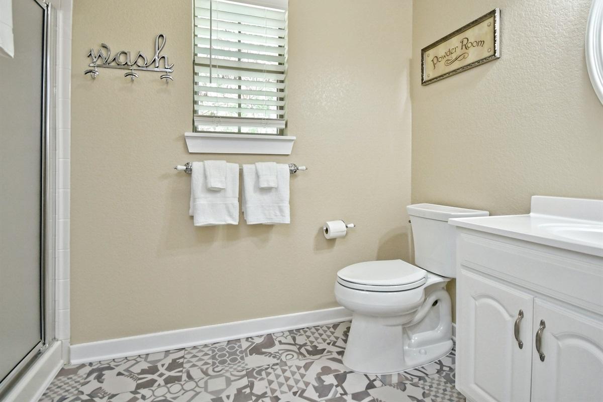 Oma Seidel Haus Upstairs Bathroom
