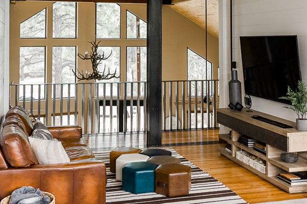 Loft Living Area w/ Smart TV