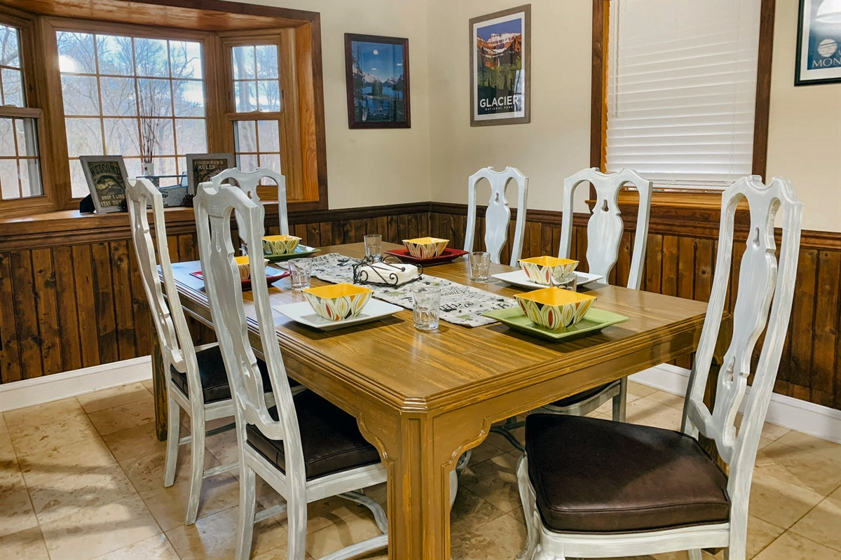 Dining room table with plenty of room