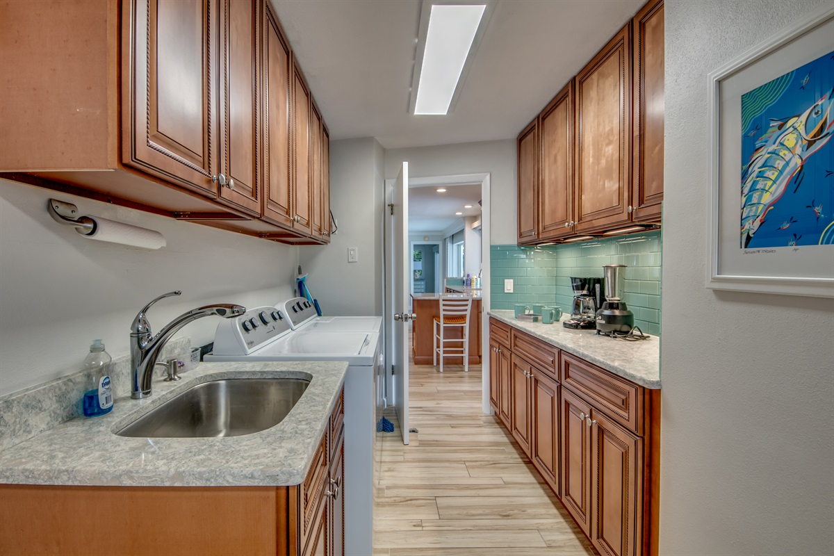 Coffee bar and laundry room off kitchen