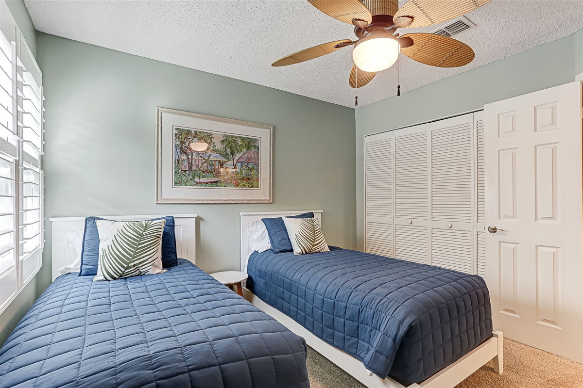 Guest Room with Two Twins