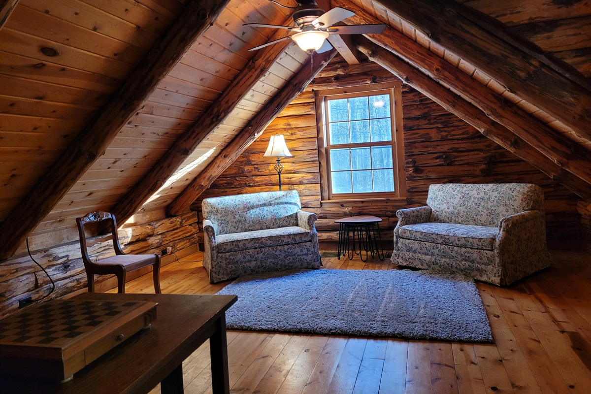 Spacious loft area with 2 twin pull-outs