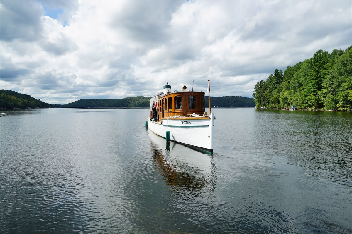 take a boat cruise to really enjoy this region