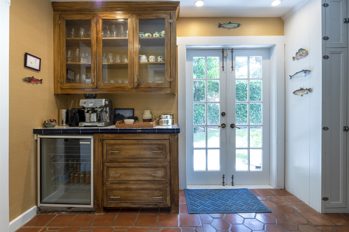 Gorgeous farmhouse-style kitchen with Sub-Zero large refridgerator & freezer, gorgeous gas range stove and oven. Coffee Bar with Espresso Machine, Blender, Kettle, Toaster oven... the works! Everything you need to feed the hungry crew.