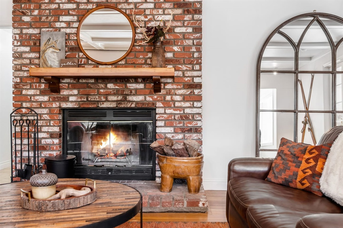 Living Room (Lower Level): Relax in front of the wood burning fireplace after a fun day of skiing, hiking, or shopping.
