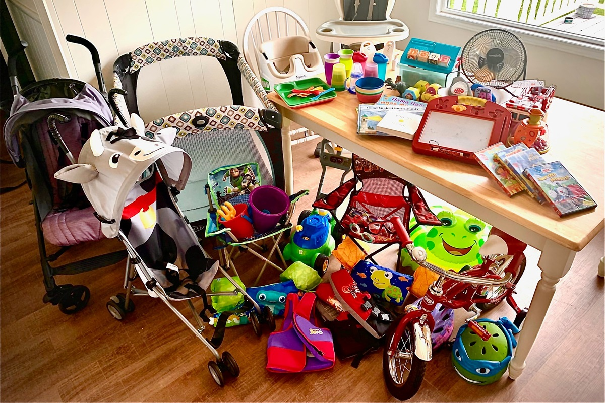 Tons of KIDS items and toys.