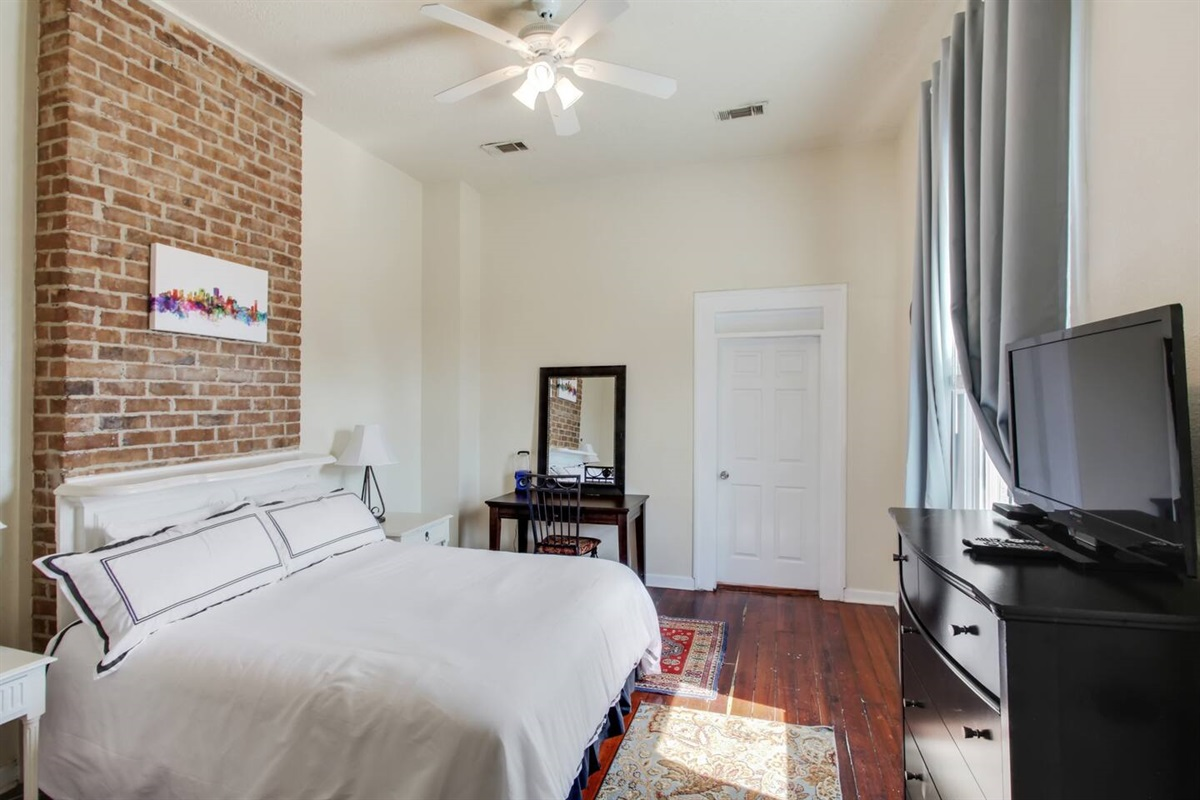 Bedroom 3. Upstairs. 1 queen bed, cable tv. Central HVAC. Brand new memory foam gel mattress - our guests' favorite!