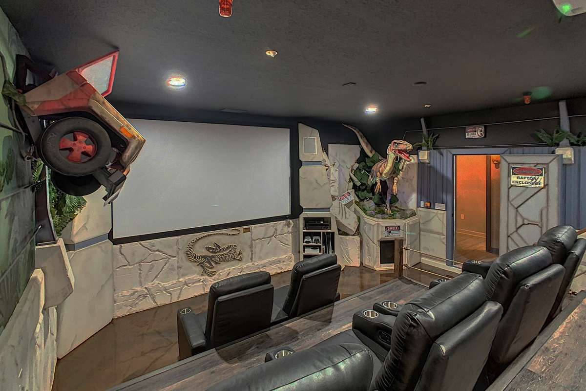 Jurassic Park Movie Theater-4 K Projector And Surround Sound