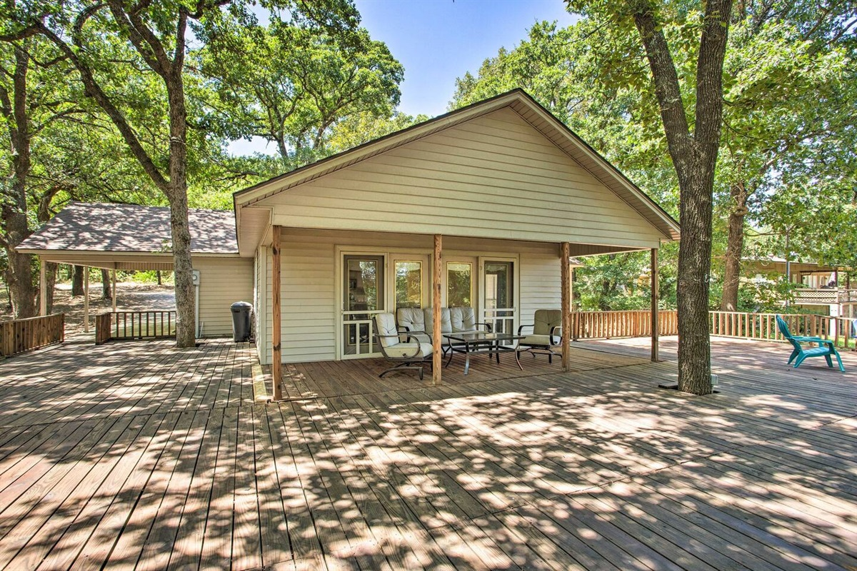 Covered patio with breathtaking views of Lake Texoma.