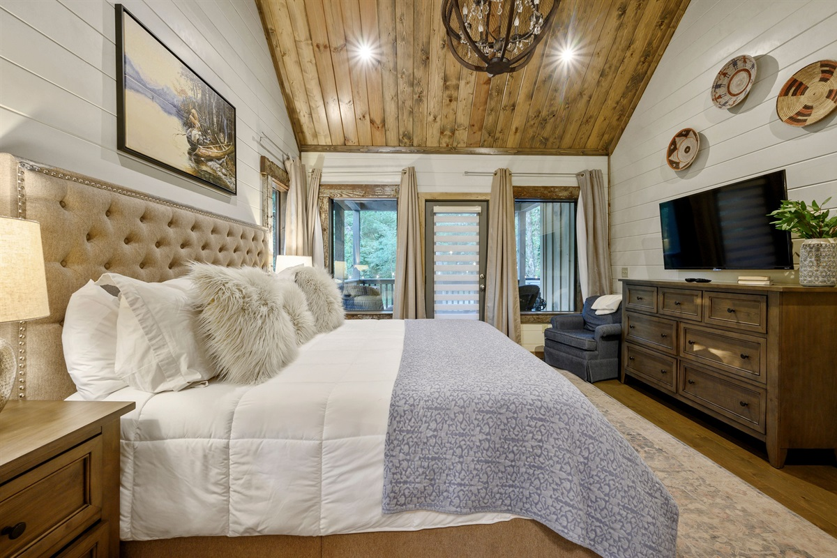 Master bedroom also features a smart TV and the finest of linens and mattress that guarantees a great night of sleep