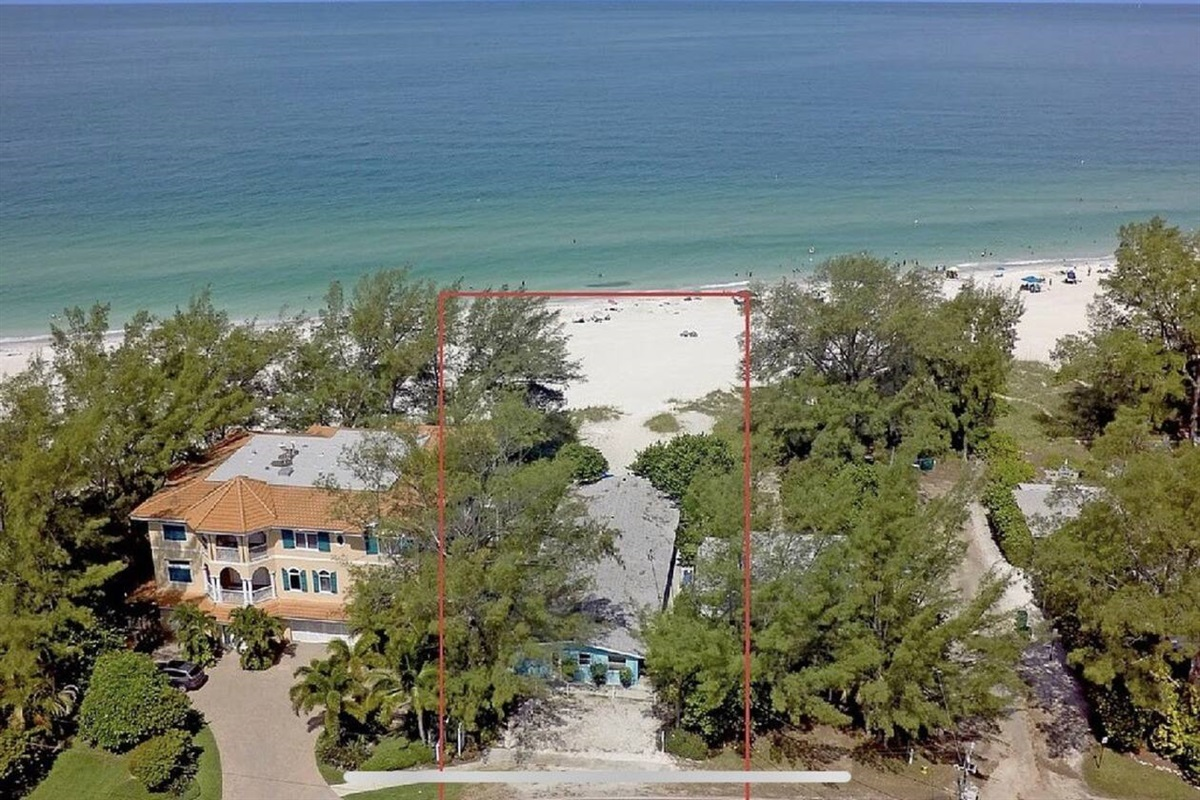 Perfect gulf front location!