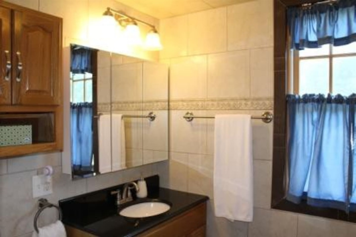 En-suite bathroom for bedroom #3