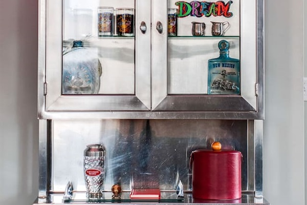 Bar available with accessories