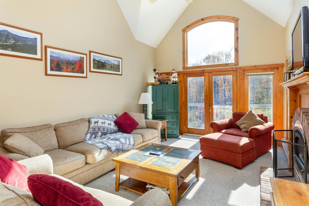 Wonderful living space, leading directly to the Village Chairlift.