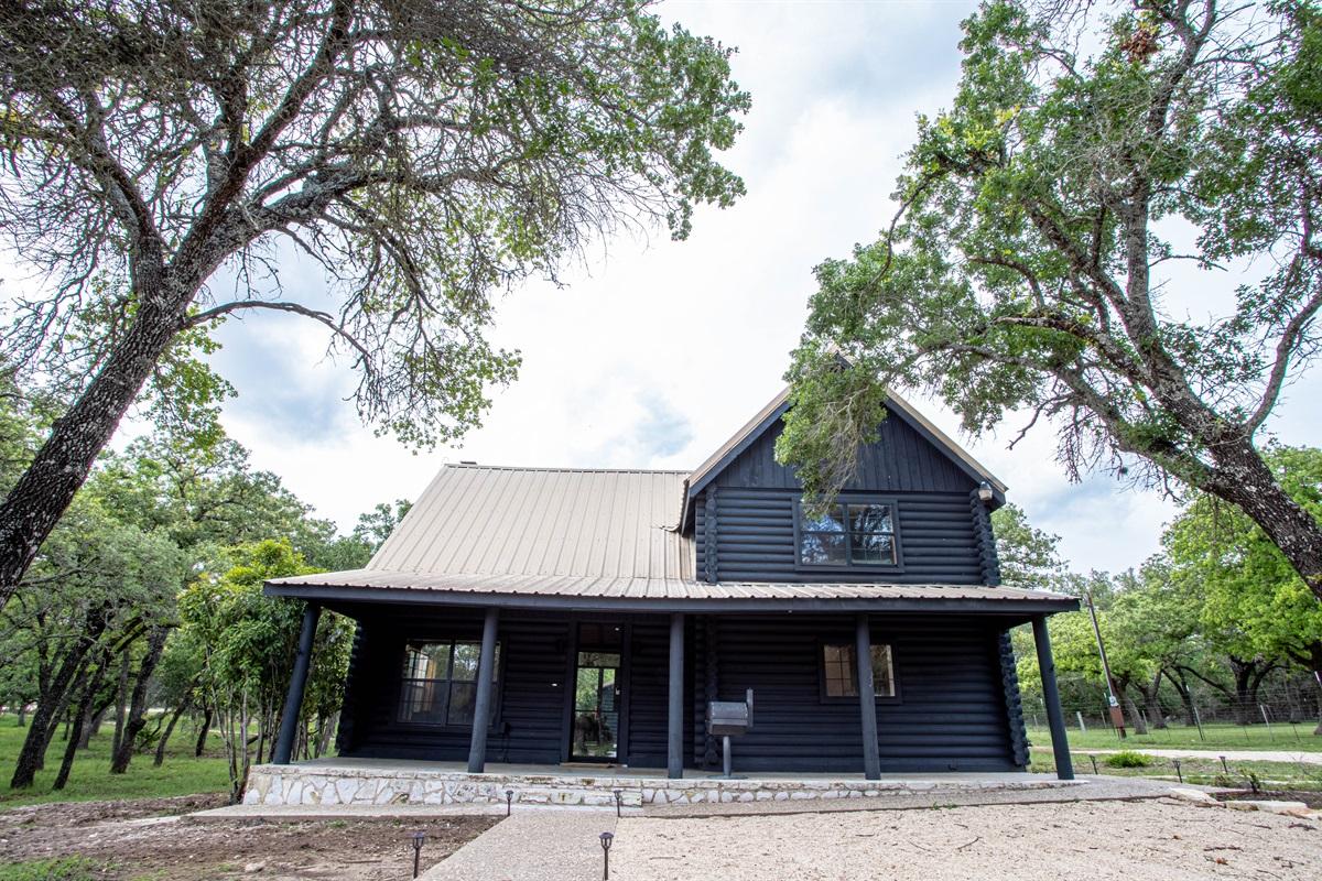 Fredericksburg Log Cabin!