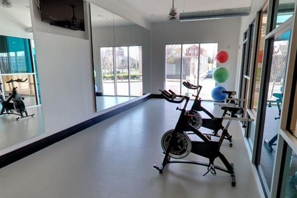 24-Hour Fitness Center & Yoga Room