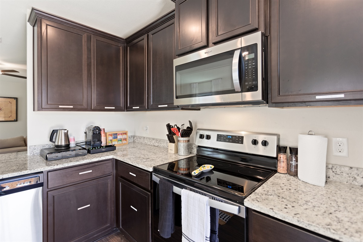 Enjoy your cooking on brand-new stainless steel appliances