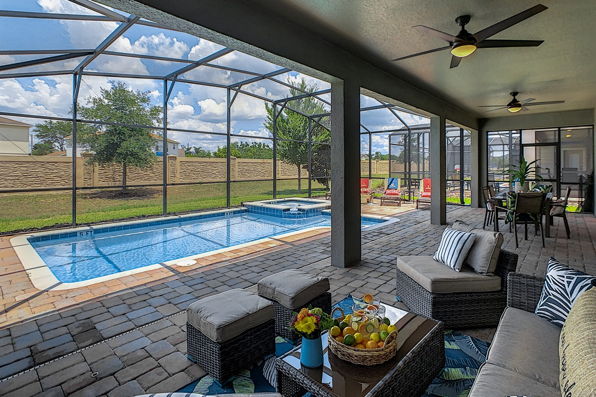 Enjoy Sun Year Round-West Facing Private Pool/Spa