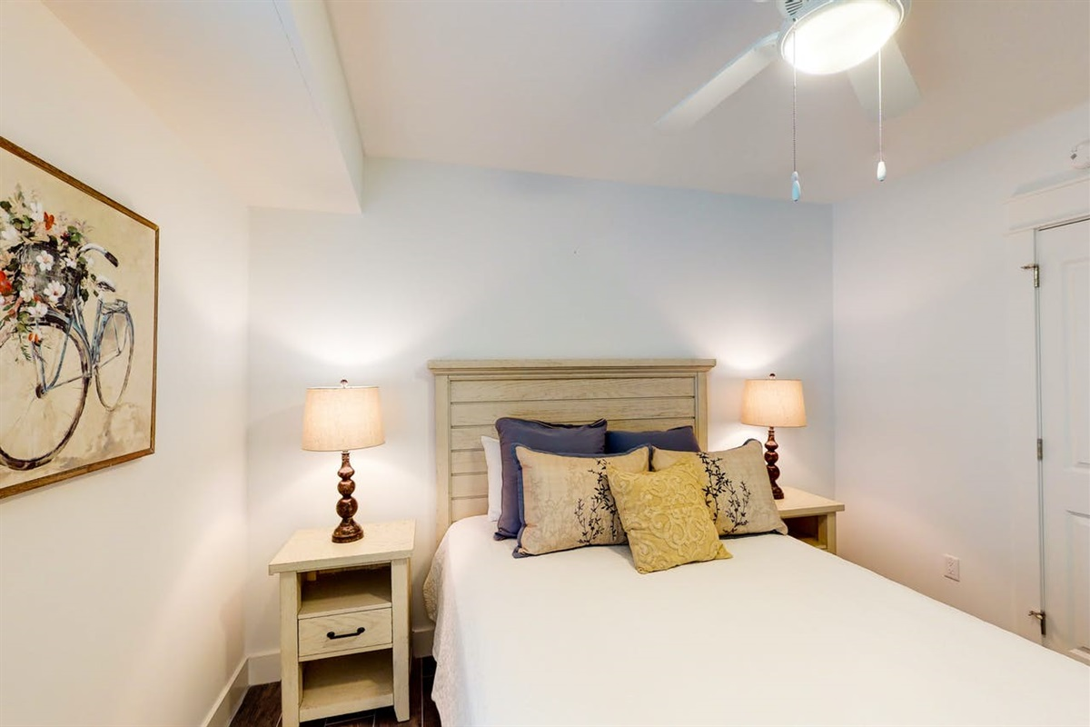 Please note this Queen Size bed has been replaced with a King Size Memory Foam Mattress and New Metal Frame Bed!