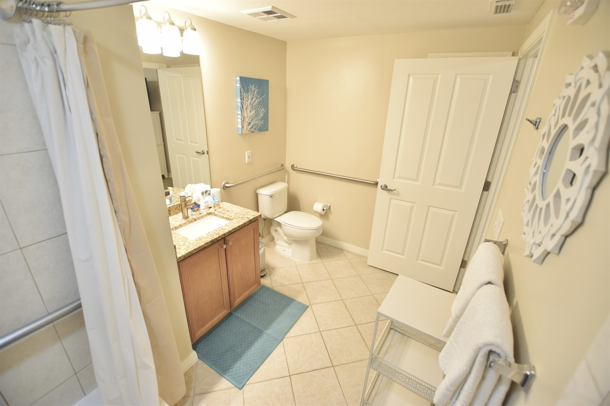 Destin West Gulfside #309 - Master bath