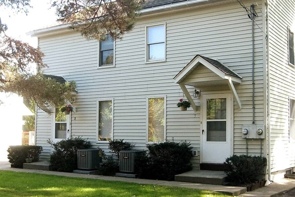 West Ann Duplex - two mirror image units in one building can sleep 12-14 people, close to Cooperstown All-Star Village, shopping and dining.