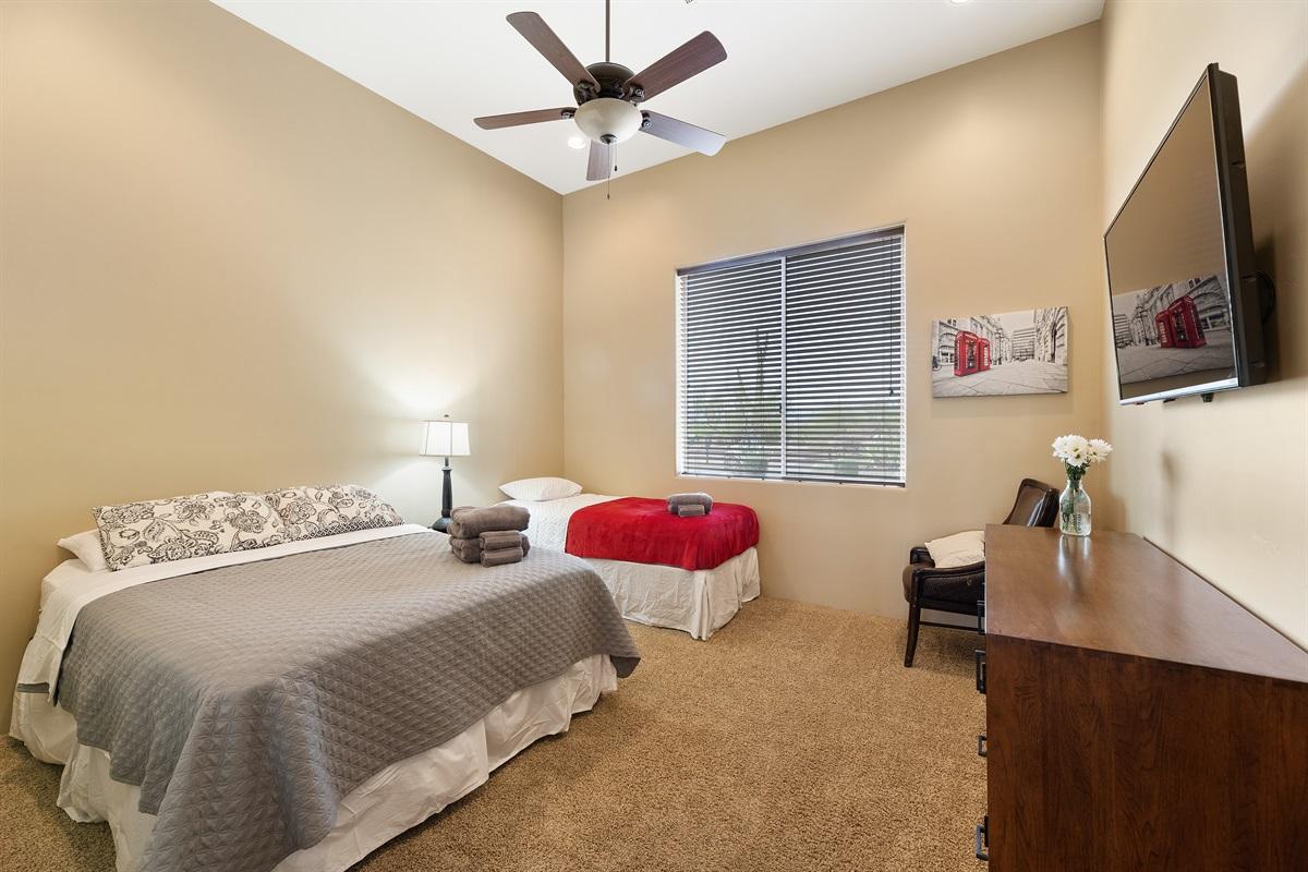Bedroom 3, Queen and Twin