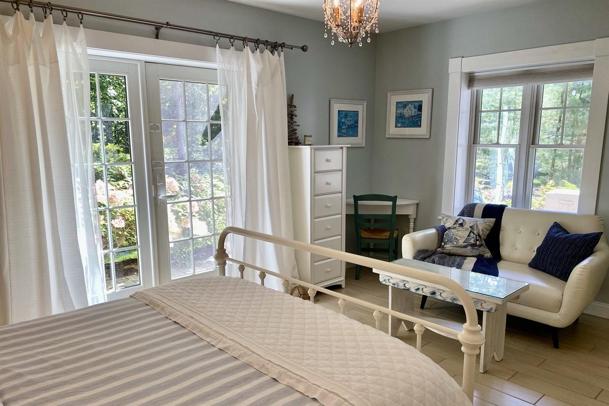 Queen suite opens to backyard patio