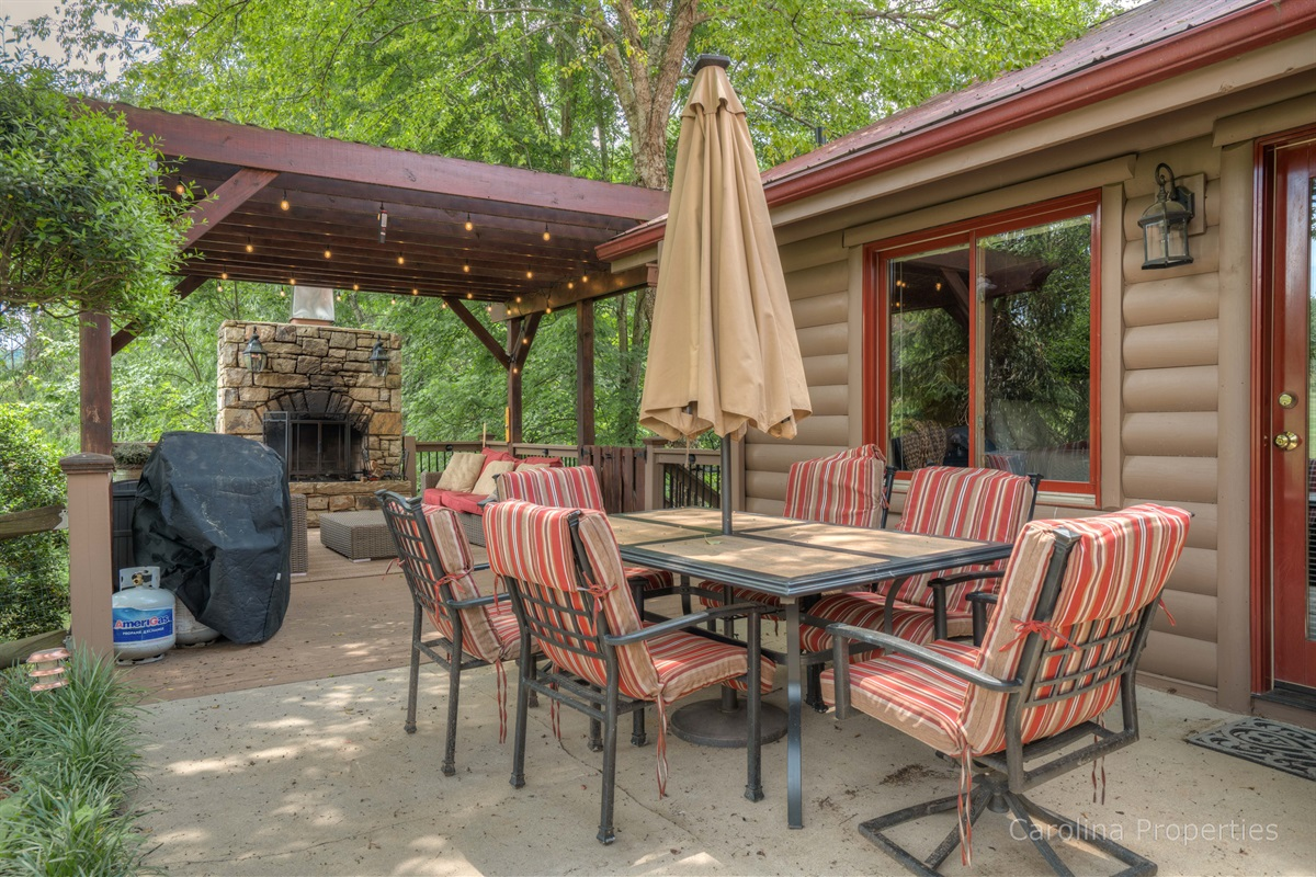 Great outside dining area