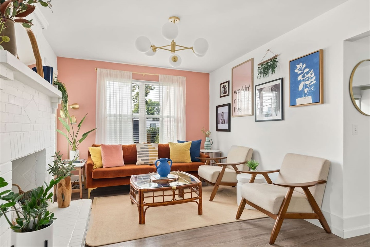 The living room is a great place to relax and unwind from your trip before setting off to see the city!
