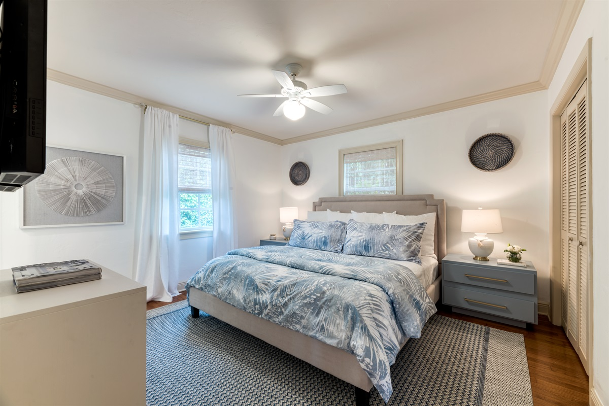 2nd Bedroom with King, large Smart App & Cable TV, closet space and en-suite bathroom.