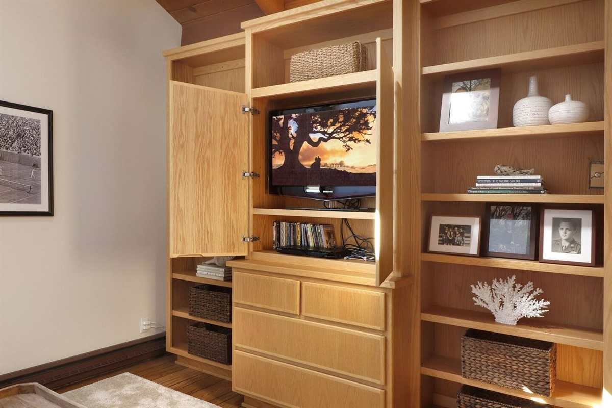 Pacific Sunset TV Room/Den