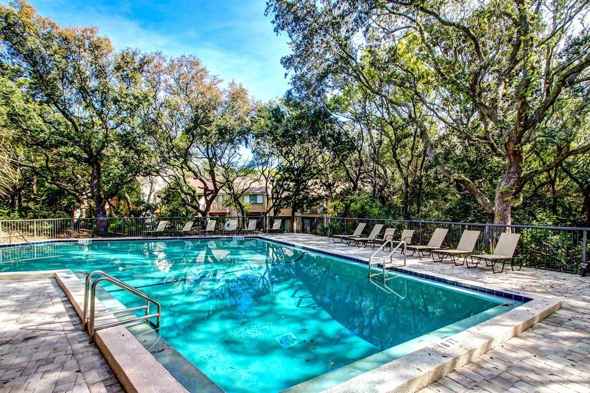 Pool (unheated)
