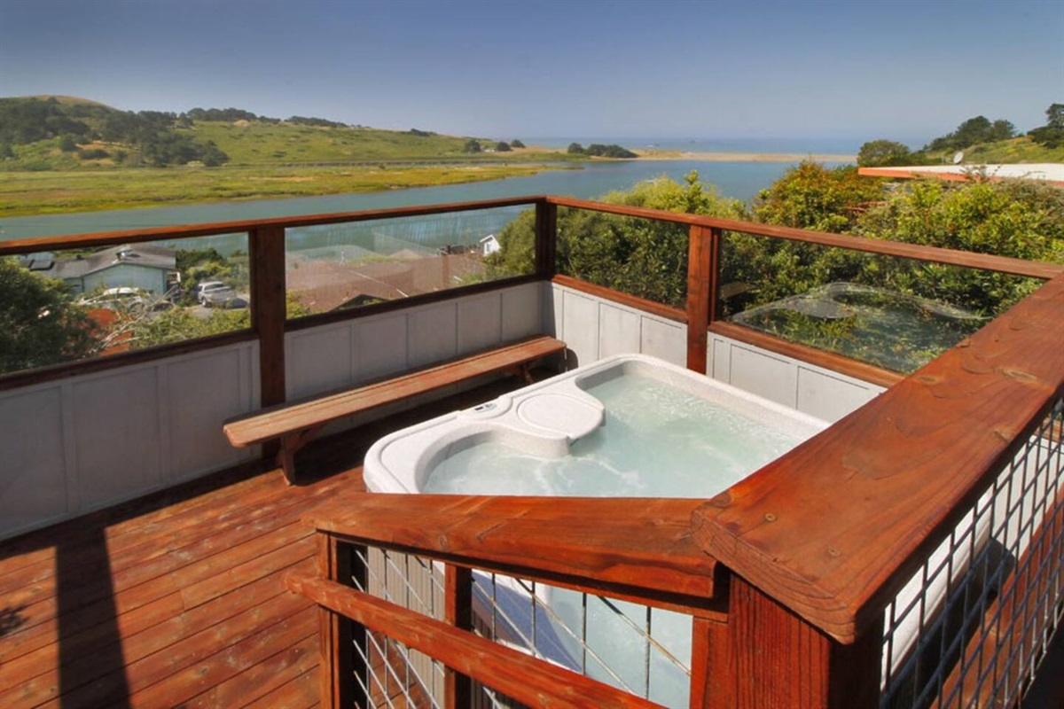 River Sea Cottage Hot Tub River to Ocean View