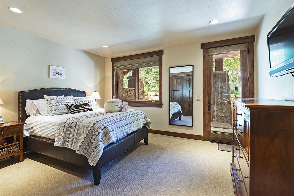 Master suite #2 - queen bed