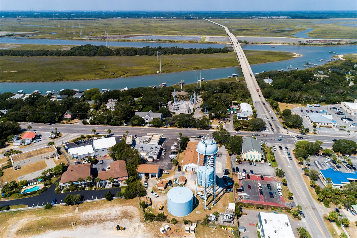 Aerial view looking towards the IOP Connector.  VERY close for easy on and off the island.