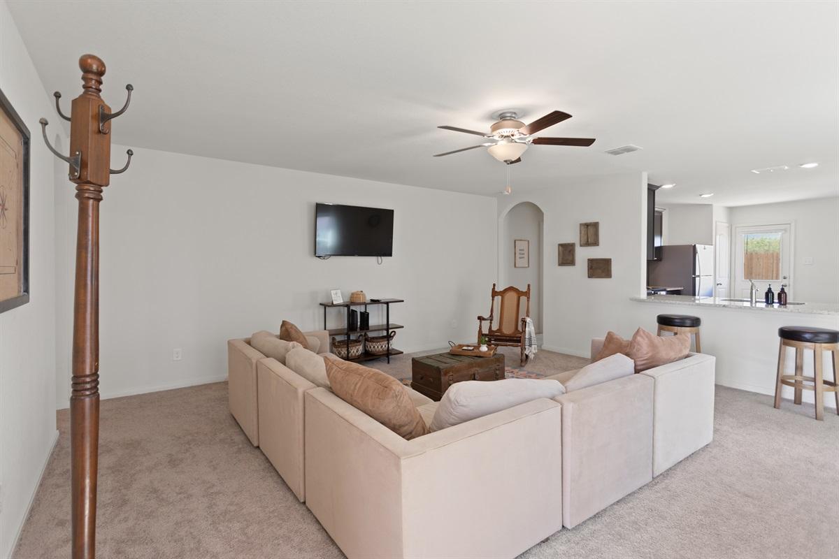Living Room has TV & Roku for your entertainment needs