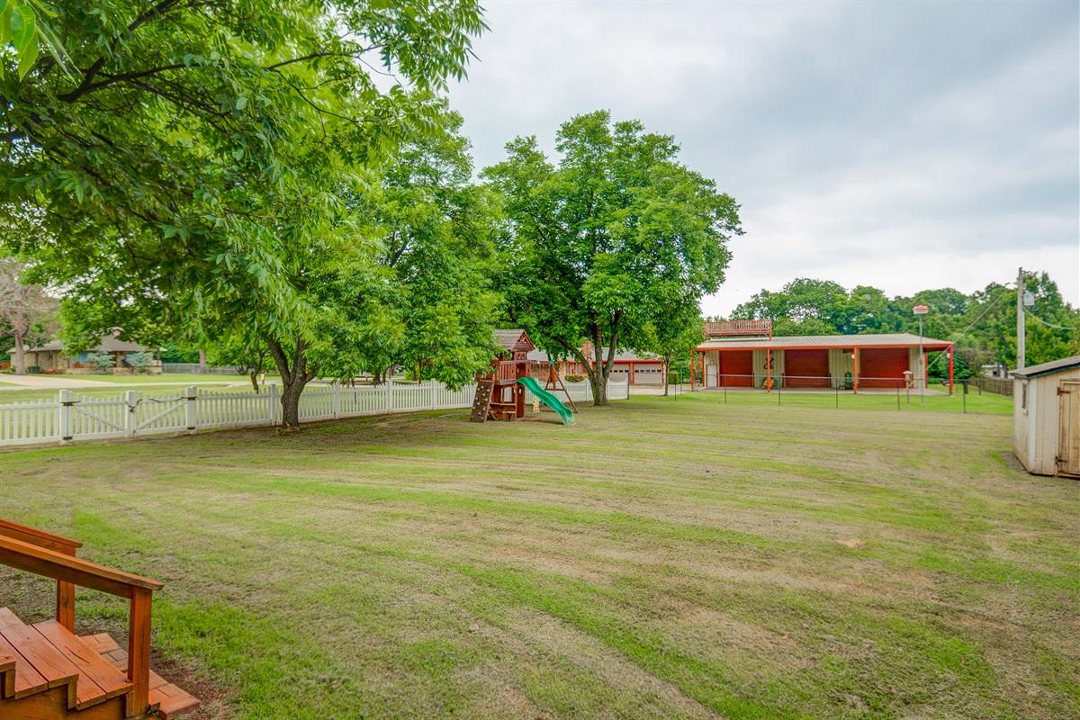Great yard for outdoor activities