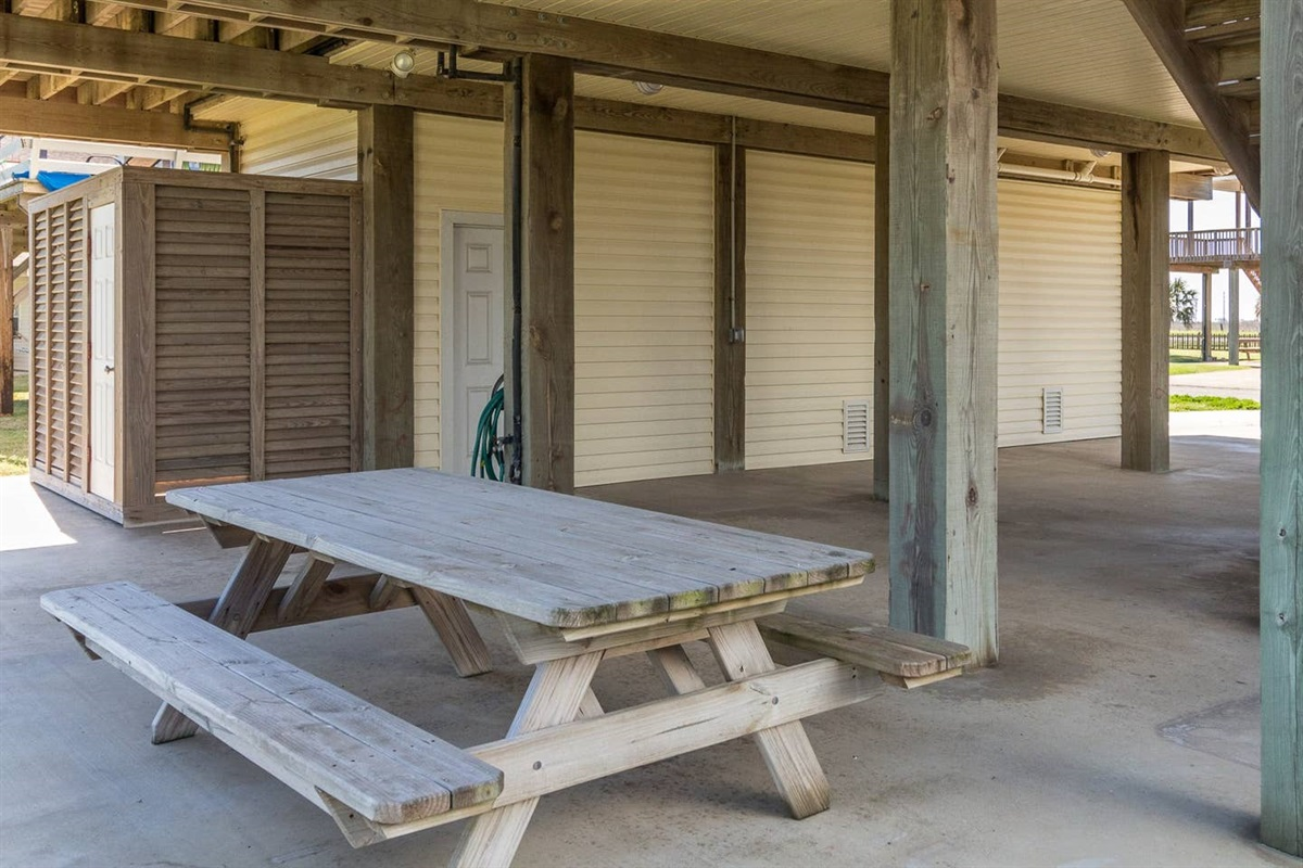 Large Patio with Picnic Table & Enclosed Exterior Shower