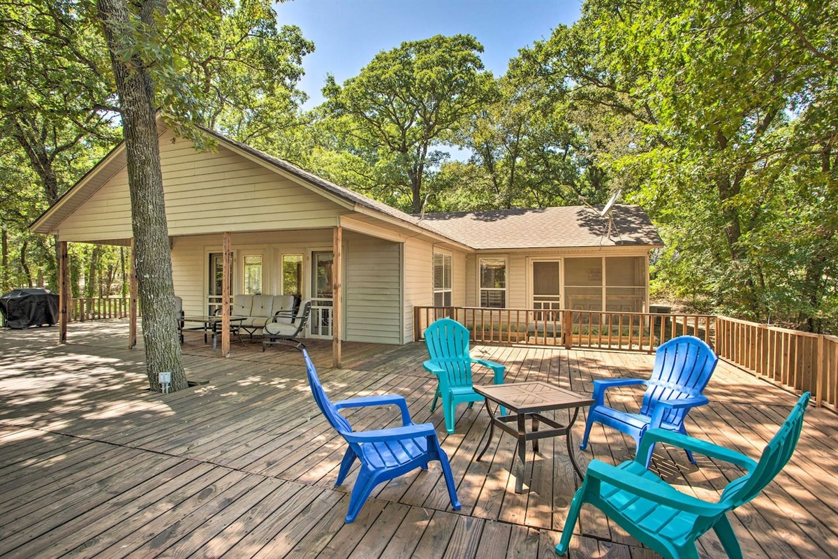 Large wrap around deck with a view of Lake Texoma.