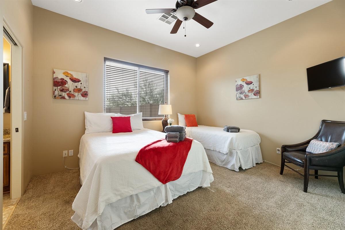 Bedroom 4, Queen and Twin