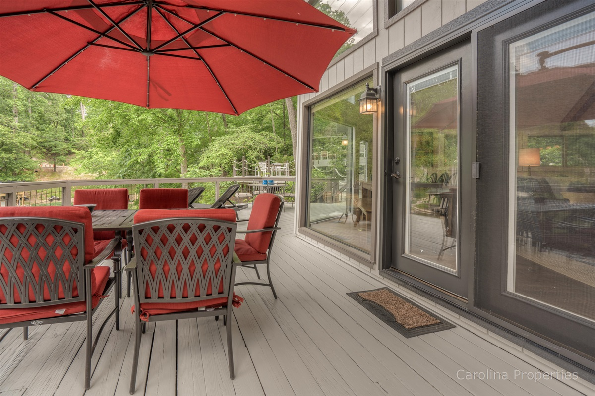 Dining table on Lure Me deck